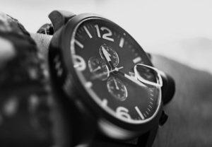 同級生のBが、やたらと自分のしている腕時計を自慢してくるからイタズラ心で隠したら・・・