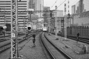 新幹線で態度の悪い男に注意したらすごい目で見られたから、一か八かの仕返しをしてみたら・・・