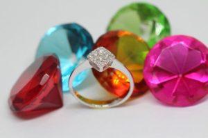 ココ山岡からダイヤを購入したのだが、すぐに我に返り・・・