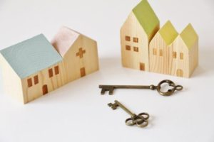 何度鍵を変えても、義実家が鍵屋のためたびたび侵入かましてくる近距離別居のトメ 。