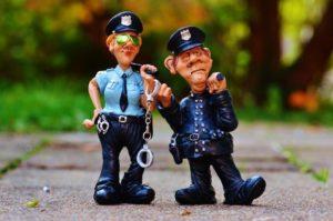 それにしても、下らない遊びに巻き込まれた警察の方には大変な迷惑を掛けてしまったなあ。